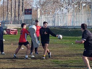 Sergio Molinero pendent dels jugadors durant l'entrenament